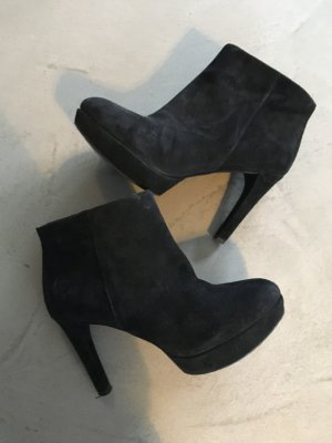 Ankle Boots // Rockport