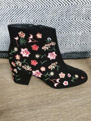 Ankle Boots schwarz 38 Stickerei Blumen