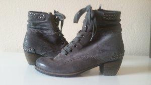 Ankle Boots Wildleder grau mit Nieten, ganzjährig tragbar