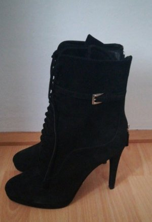 Ankle Lace Up Boots von Prada