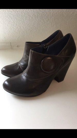 Ankles Biviel