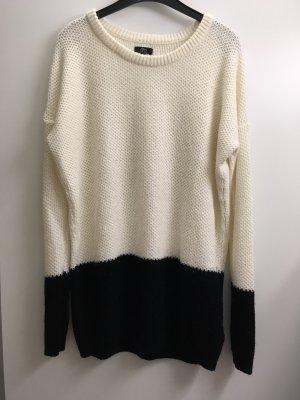 Ann Christine Pull en crochet crème-noir