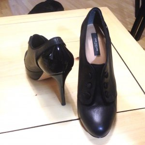 Ann Taylor Pumps black leather