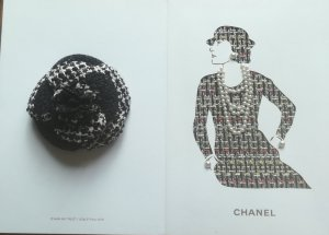 Ansteck Camelie Chanel