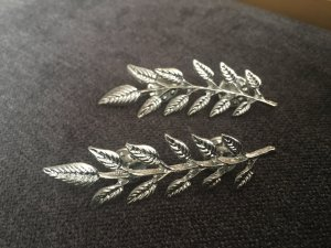 Brooch silver-colored