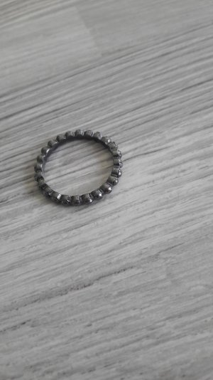 anthrazitfarbener Ring von H&m