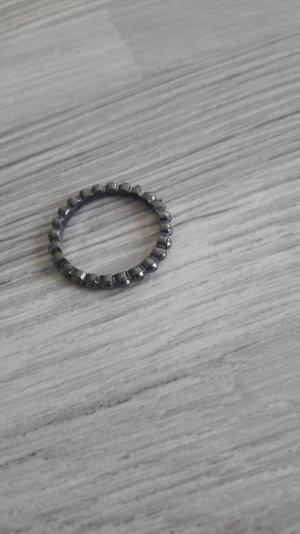 anthrazitfarbener Ring von H&m