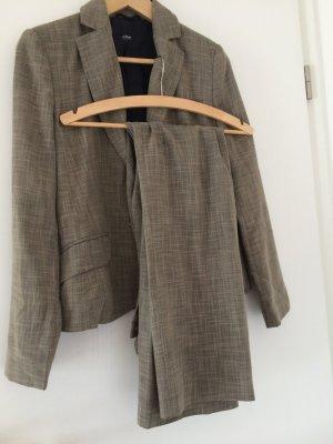 Anzug Kombination Blazer und Hose
