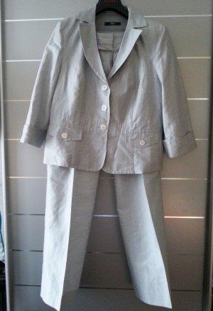Anzug /Kostüm/ Blazer, Hose von s.Oliver, grau/ silber, Größe 38 (M), Hosenanzug