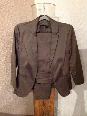 Hallhuber basic Tailleur-pantalon gris vert tissu mixte