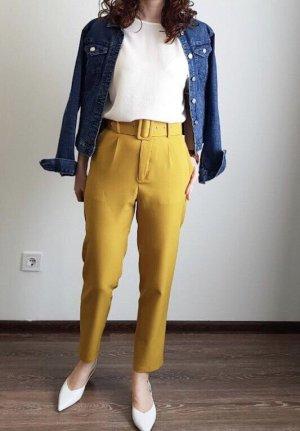 Chinos yellow