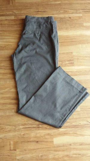 Anzughose grau mit dezenten schwarzen Streifen