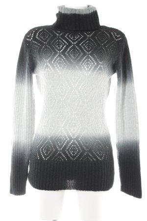 Apart Turtleneck Sweater color gradient casual look