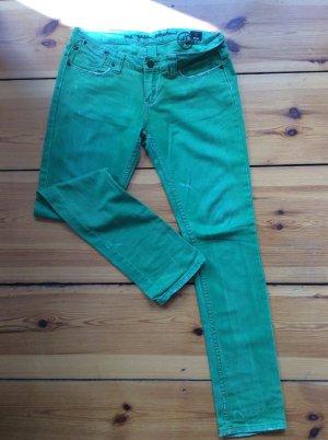 Apfelgrüne OGE-Jeans, schöne Sommerfarbe!