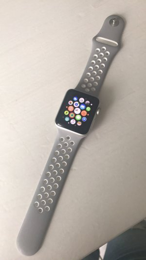 Apple Watch Nike grau weiß Series 2