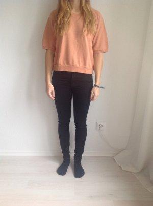 Apricotfarbener kurzer Pullover mit Dreiviertelärmeln von Monki