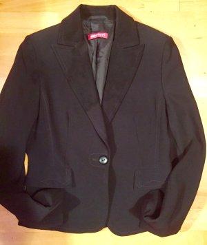 Apriori wunderschöner schwarzer Blazer mit Seide