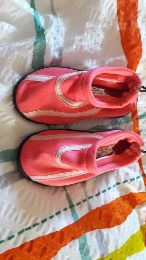 Sandalias de playa rosa