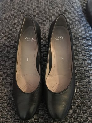 ara Pumps black