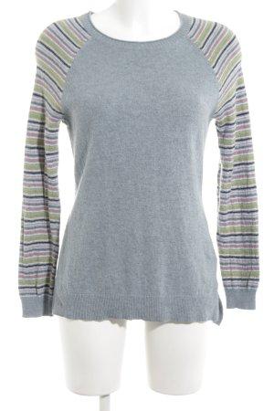 Arabella & Addison Knitted Sweater light grey striped pattern simple style
