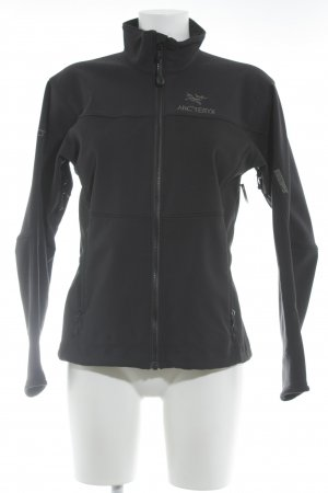 Arc'Teryx Windbreaker black casual look