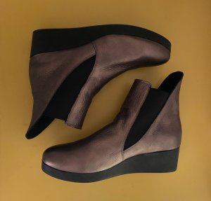 Arche Platform Booties bronze-colored