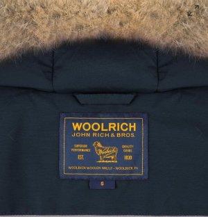 Arctic Parka in Dunkelblau von Woolrich