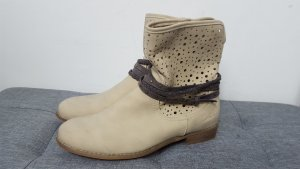 Arizona Damen Boots Stiefeletten creme beige mit Ziergürtel Größe 40