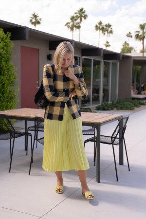 ARKET Pleated Skirt lime yellow casual look