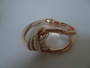 Arm-Spange/-Band in Farbe roségold/cream