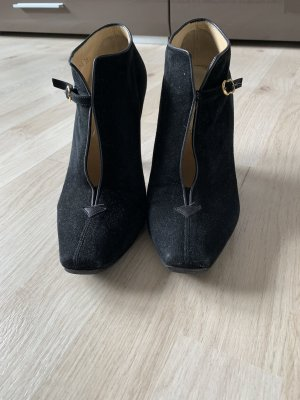 Armani High-Front Pumps black suede