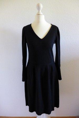 Armani Collezioni Strickkleid Kleid schwarz Langarm Skater Gr. 36