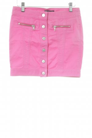 Armani Exchange Minifalda rosa look casual