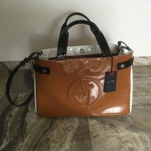 Armani Handtasche mit Etikett