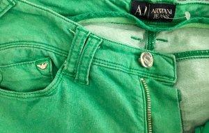 Armani Jeans im grün, die Hose macht eine schöne Figur