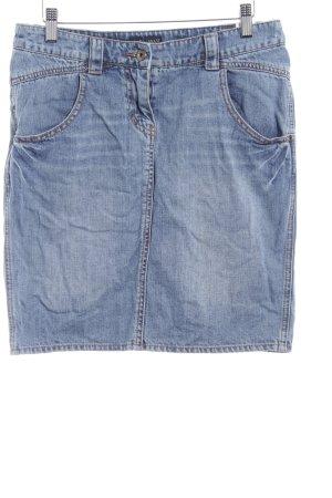 Armani Jeans Falda vaqueras azul look casual