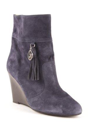 Armani Jeans Keil-Stiefeletten dunkelblau Street-Fashion-Look