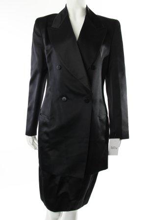 Armani Kostüm schwarz minimalistischer Stil
