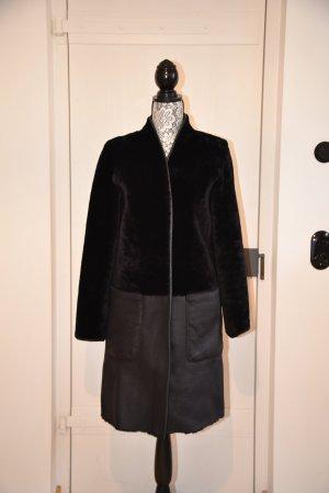Armani Abrigo de cuero negro