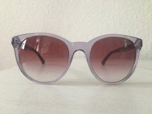 Armani-Sonnenbrille in hellen Pastelltönen, perfekt für den Frühling