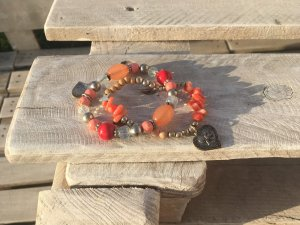 Armbänder in korall und apricot Tönen Modeschmuck