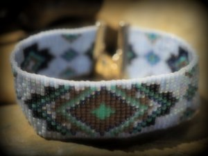 Armband aus Glassperlen