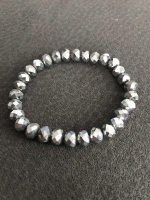 Armband aus Krustal Perlen in silber  Farbe