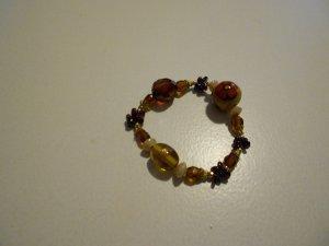 Armband aus unterschiedlichen Perlen