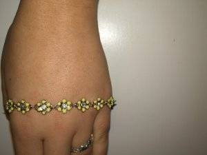 armband gelb weiß