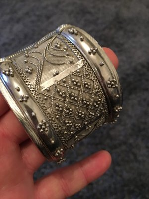 Armband/ Handarbeit