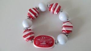 Armband in den Farben Weiß und Rot