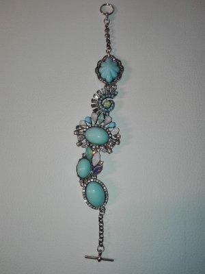 Armband in Silber Farbe,mit türkis deko-schmuck verziert.