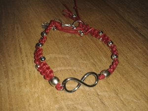 Armband Mikrama geknüpft rot silber Infinity Engel