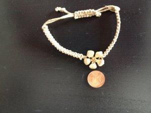 Armband mit Blümchen von Esprit